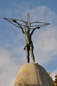 Hiroshima-Peace-Memorial-Sadako-monument